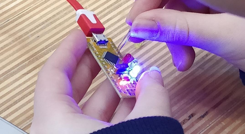 Lerarentraining ontdekkend leren: van solderen tot programmeren in de klas
