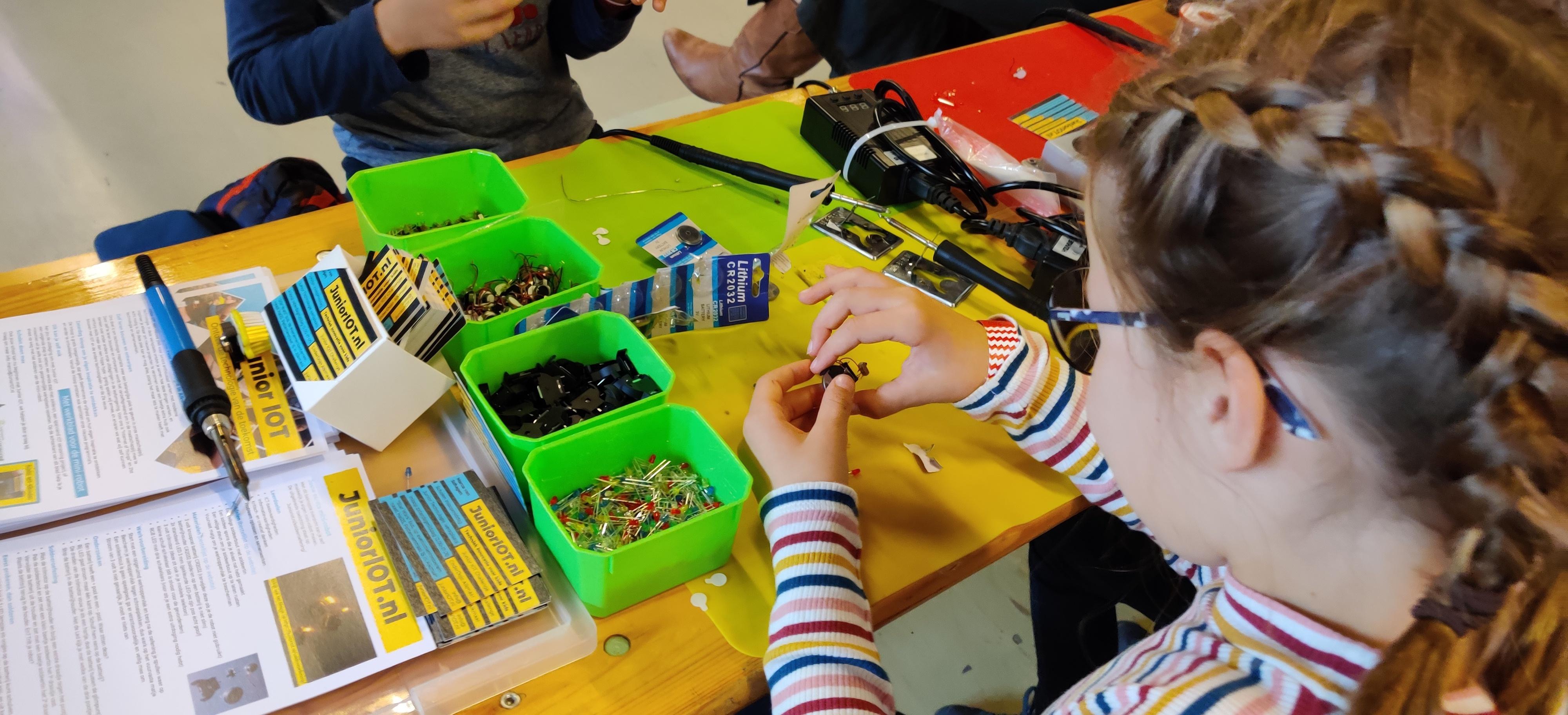 Onderwijs experiment met Junior Innovatie en digitale geletterdheid