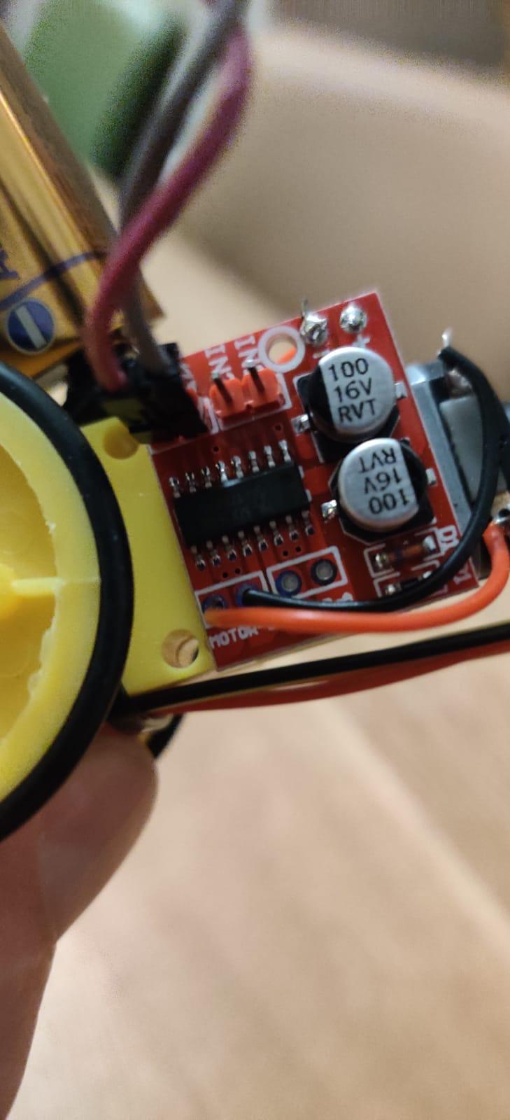 Lab – Arduino Blink met motorcontroller L298N