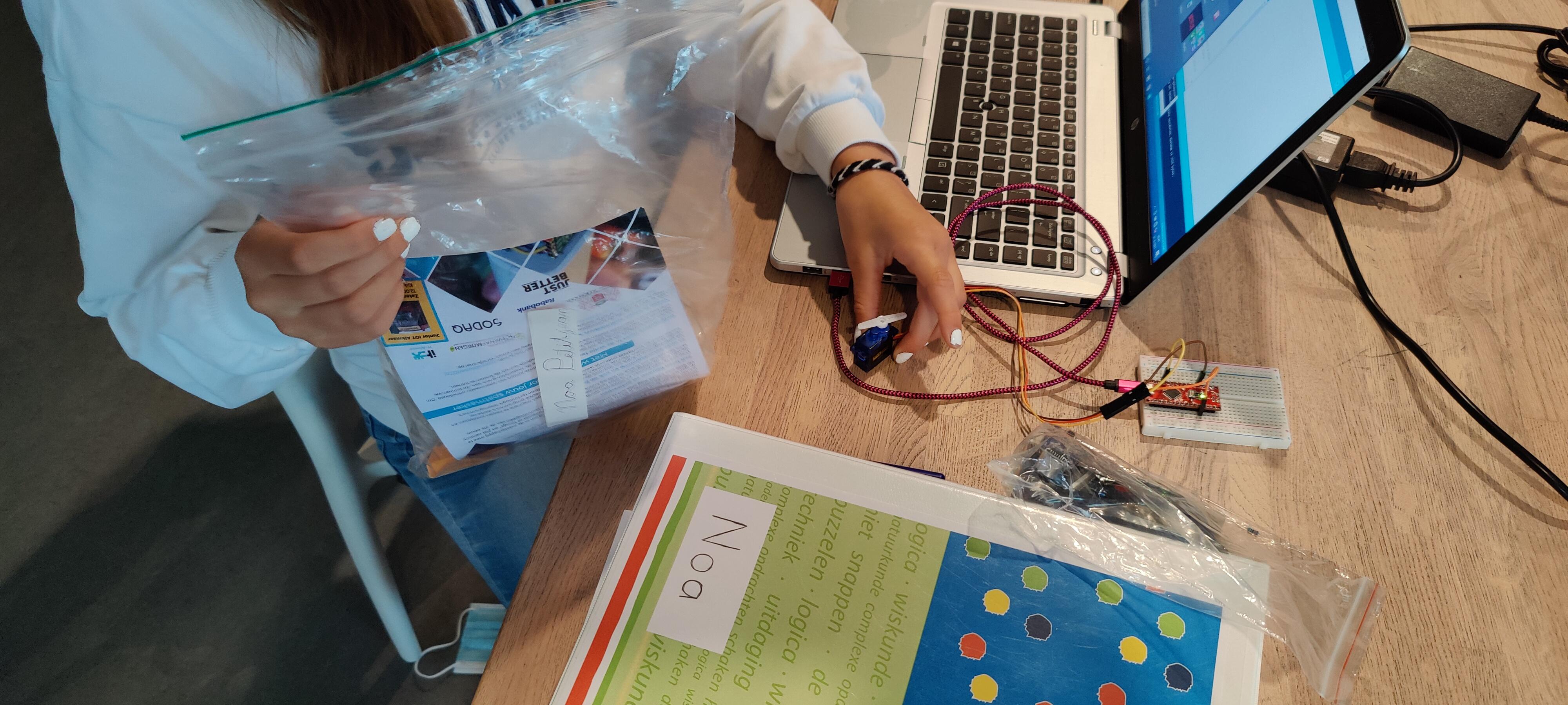 Agenda – 2021/2022 Technologie uitdaging voor meerkunners op de Roald Dahl School