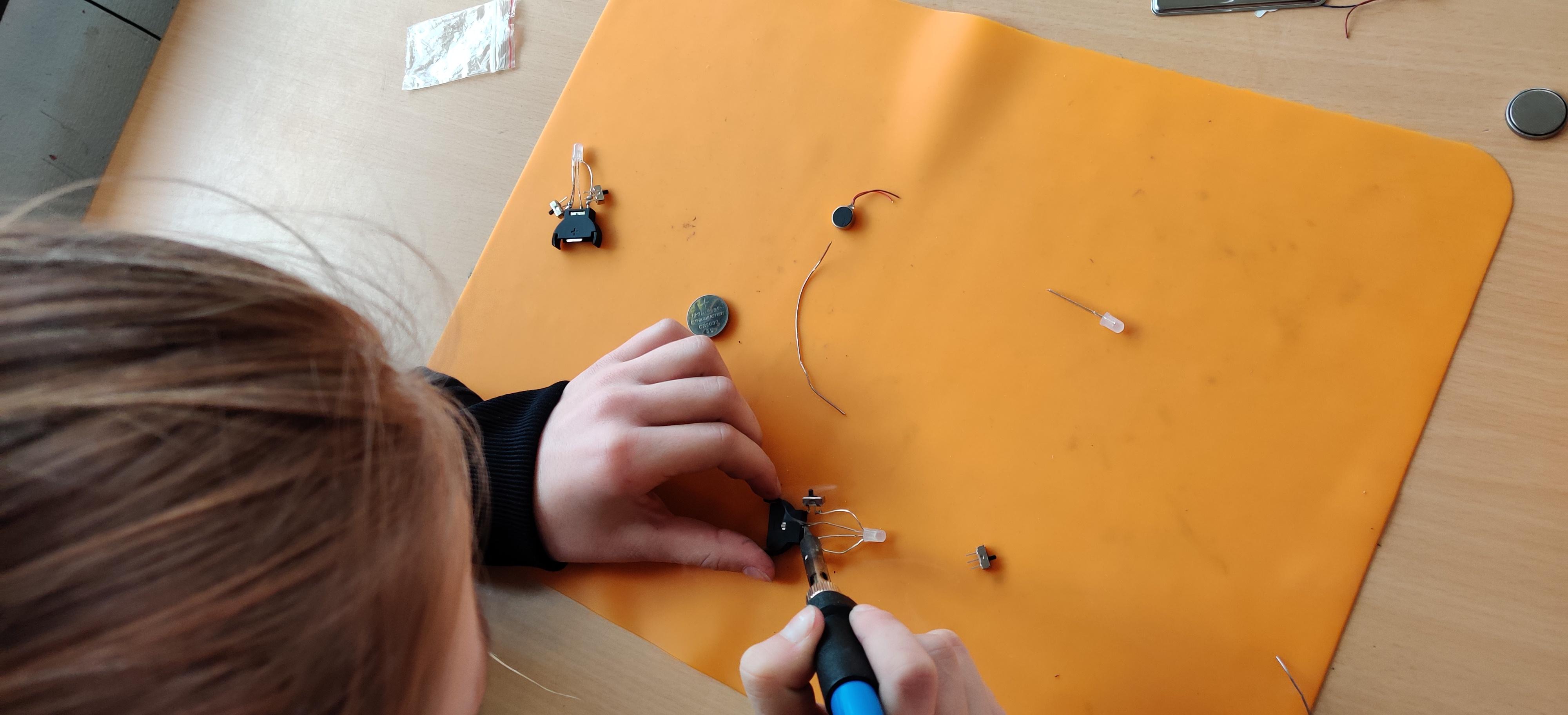 shop – Startset 20-30x trilrobot en led licht voor één klas (30x drie oefeningen)