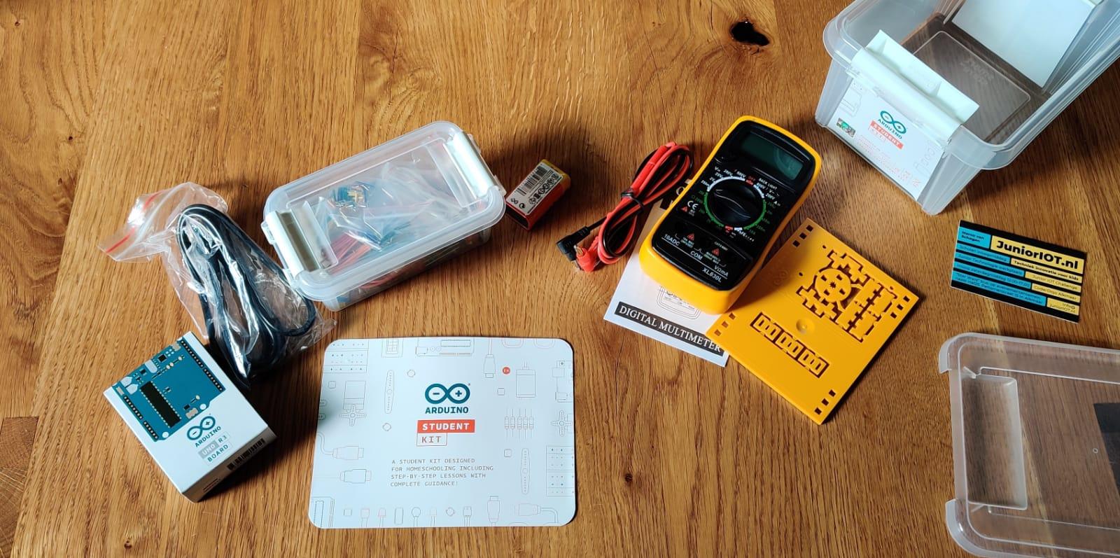 Blog – Aan de slag met de Arduino Student Kit en de online lessen van Arduino