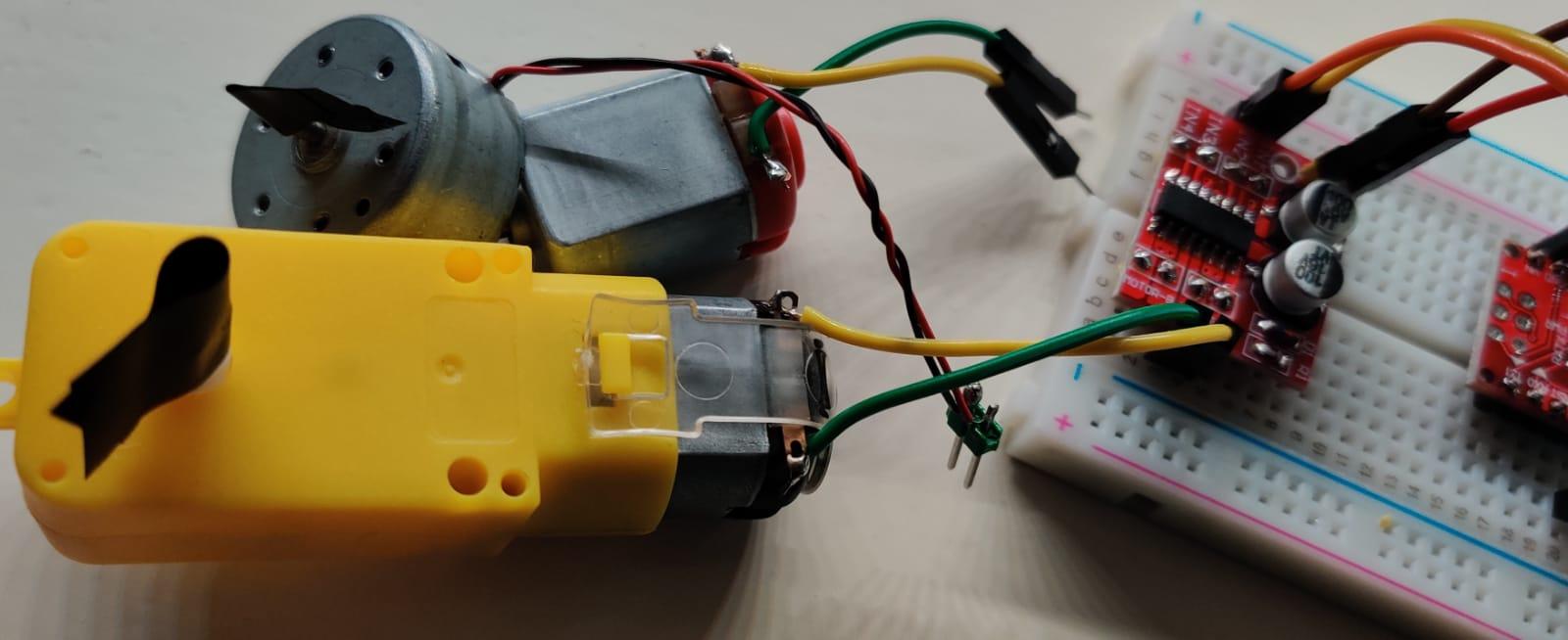 lab – Blink als L298N DC motor besturing op het breadboard – Arduino Nano programmeren